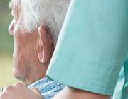 Is er plaats voor het toepassen van stimulantia bij apathie bij ouderen met dementie?